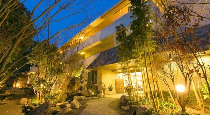 Yufuin Besso Shikisai Hotel
