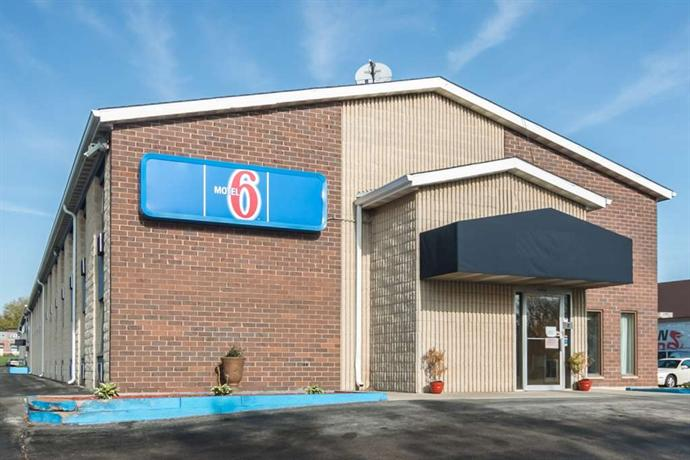 Motel 6 Madison East