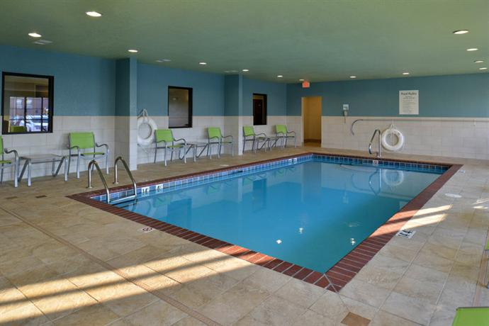 About Holiday Inn Express Hotel Suites Lonoke I 40