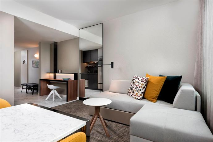 Adina apartment hotel frankfurt frankfurt am main for Neue design hotels
