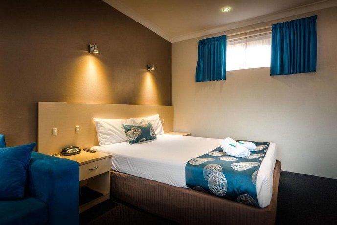 About Park Beach Resort Motel