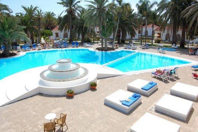 Eo suite hotel jardin dorado maspalomas compare deals for Bungalows jardin dorado