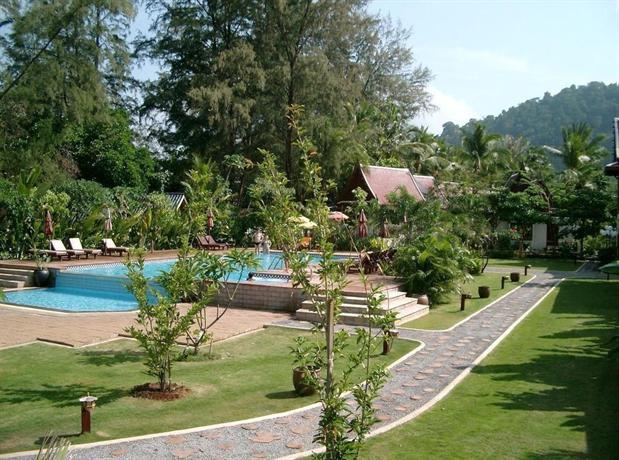 Royal Lanta Resort & Spa Hotel - room photo 4440508