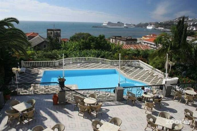 Charming hotels hotel quinta bela s tiago funchal for Charming hotel