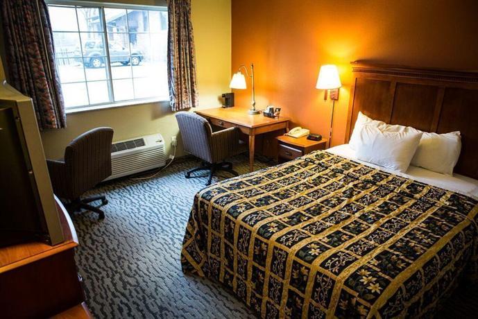 Regency Inn and Suites Anoka