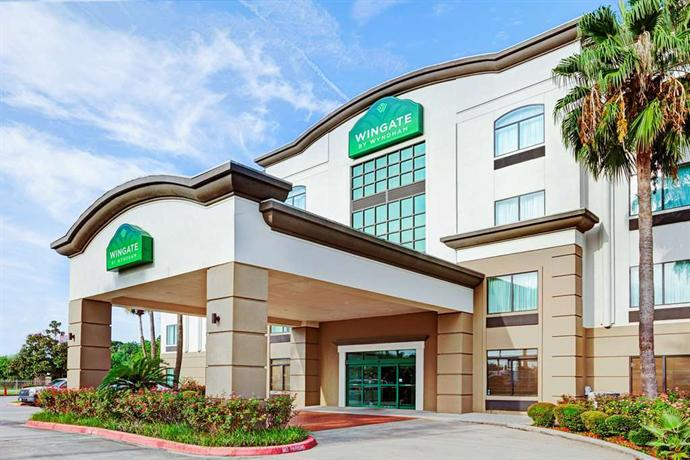 Find hotel in willowbrook mall houston texas hotel deals and discounts findhotel for Wyndham garden houston willowbrook