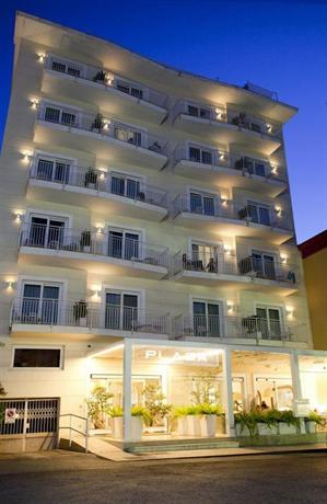 plaza hotel sorrento compare deals. Black Bedroom Furniture Sets. Home Design Ideas