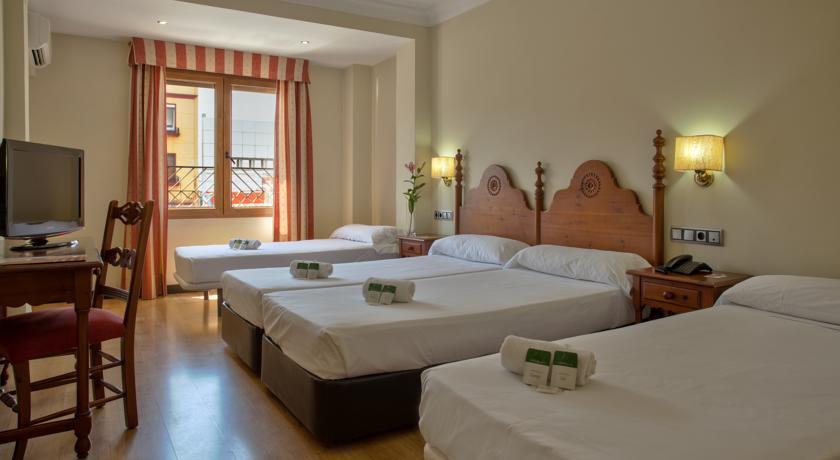 Hotel Virgen de los Reyes Seville