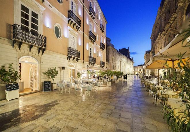 Antico hotel roma 1880 siracusa encuentra el mejor precio for Hotel roma siracusa