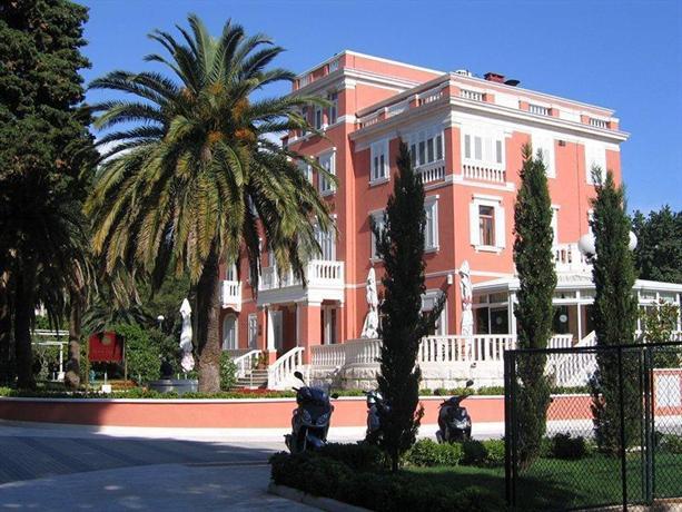 Hotel zagreb dubrovnik compare deals for Hotels zagreb