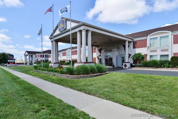 Days Inn & Suites Roseville