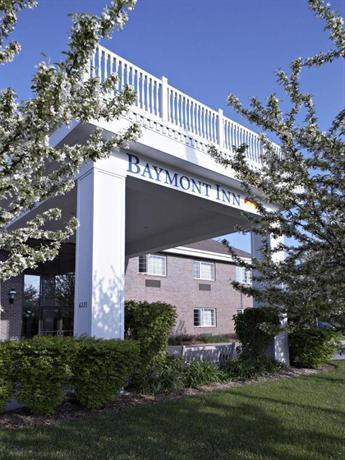 Baymont by Wyndham Des Moines Airport Hotel