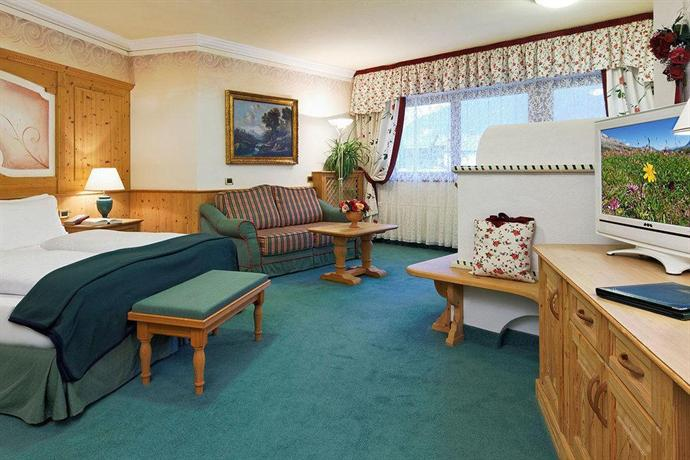 Hotel sassongher corvara offerte in corso - Hotel corvara con piscina ...