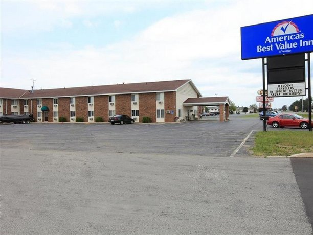 Country Hearth Inn & Suites - Escanaba