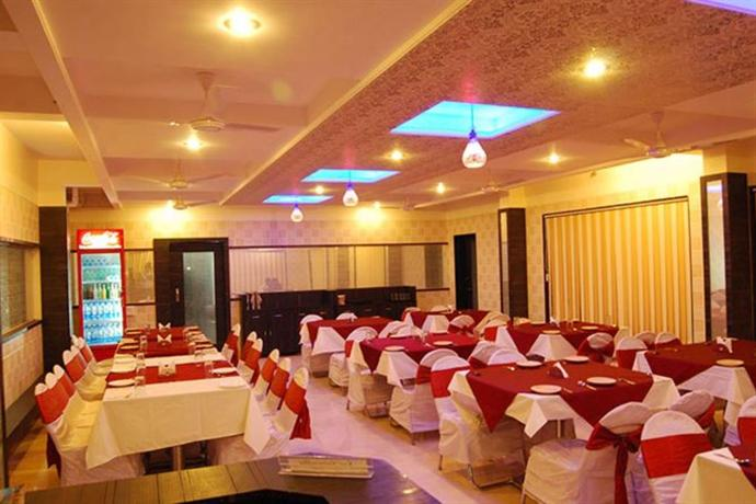 Hotel Lee Grand To Shirdi Temple Distance