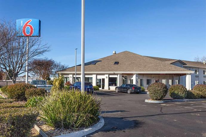 Motel 6 Marysville South CA