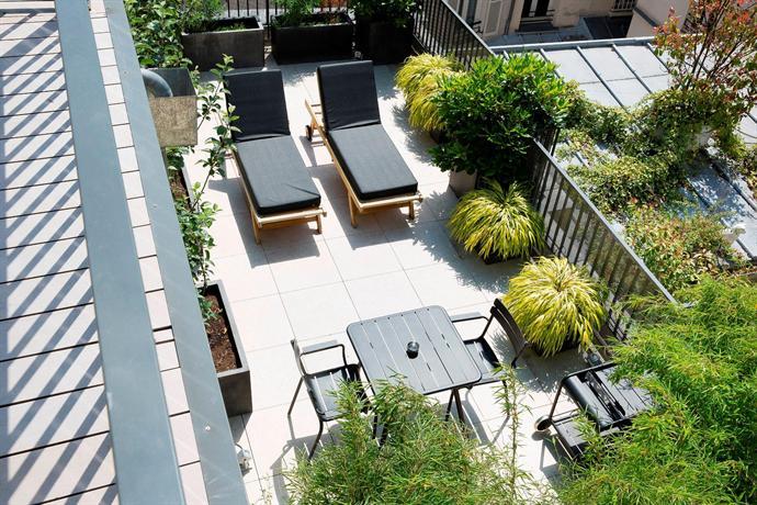 hotel eugene en ville paris compare deals. Black Bedroom Furniture Sets. Home Design Ideas