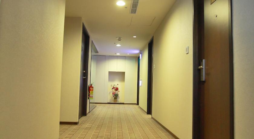 Wonstar hotel ximen ii taipei city compare deals for Design ximen hotel ximending
