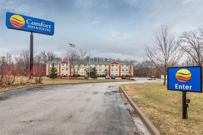 Comfort Inn Amp Suites East Moline Offerte In Corso