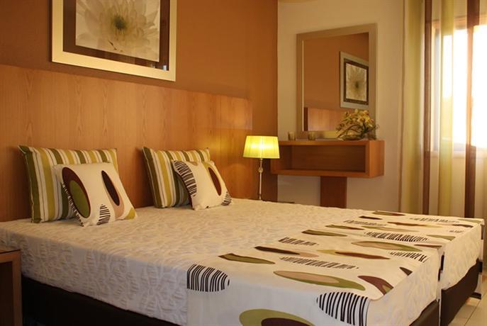 Aparthotel club amarilis portimao compare deals for Aparthotel corse