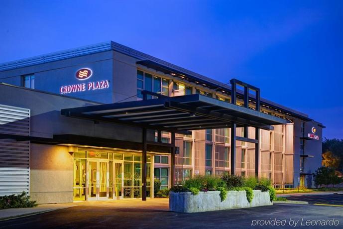 Crowne Plaza Glen Ellyn Lombard