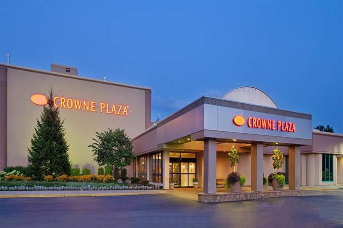 Crowne Plaza Hotel Chicago Northbrook