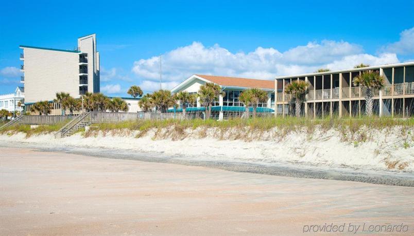 oceanfront litchfield inn pawleys island compare deals. Black Bedroom Furniture Sets. Home Design Ideas