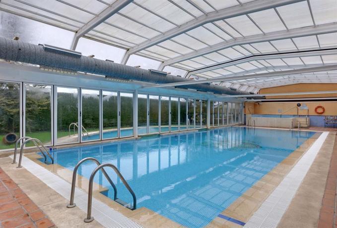 Hotel segovia sierra de guadarrama el espinar offerte for Hotel piscina segovia