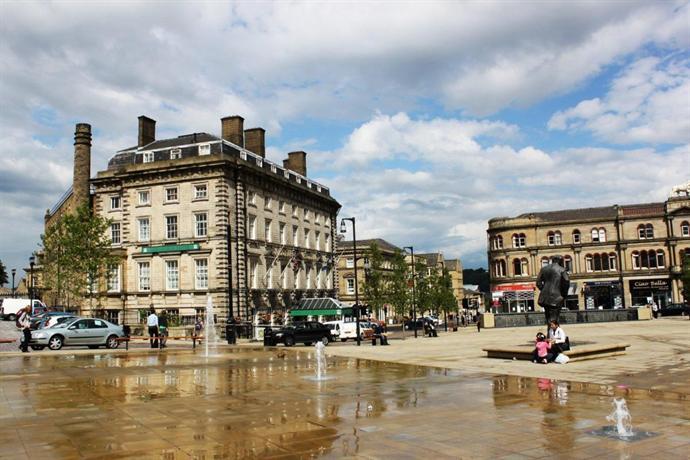 The New Huddersfield Hotel
