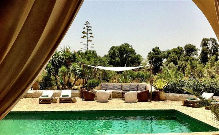 Les jardins de villa maroc essaouira compare deals for Les jardins de la villa maroc essaouira