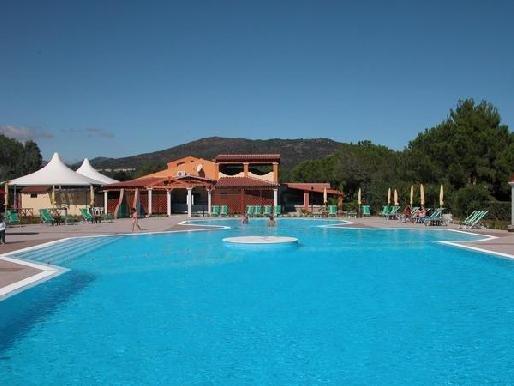 Hotel li cupulatti budoni confronta le offerte for Budoni offerte vacanze