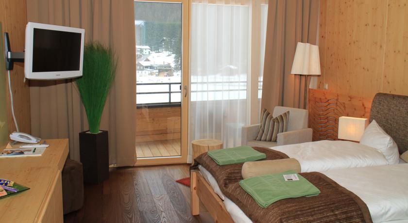 Spa hotel zedern klang for Designhotel zedern klang