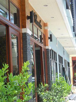Phuket Guest Friendly Hotels - The Chambre Patong