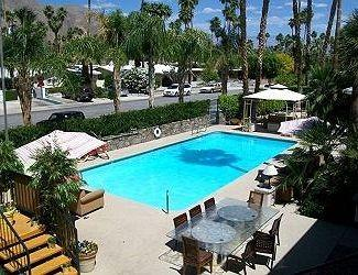 Palm tee hotel palm springs compare deals for Palm springs strip hotels