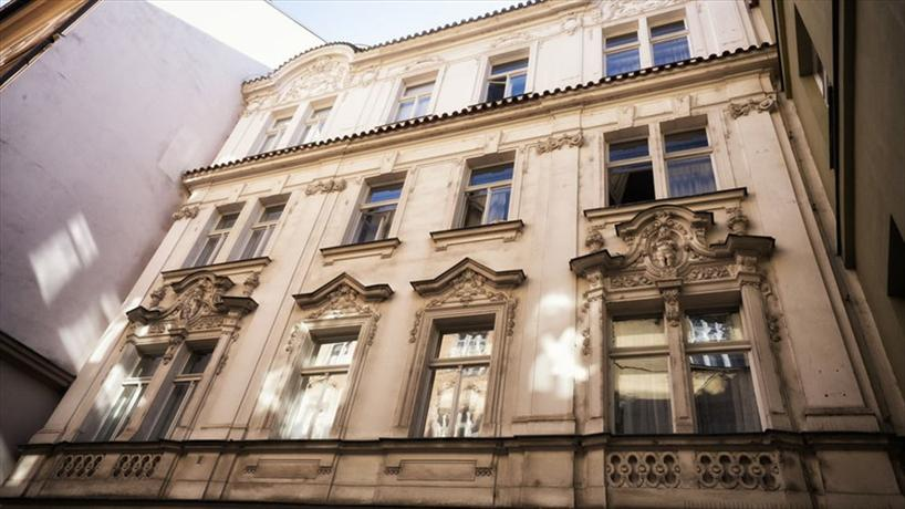 Apartment by the old town square prague compare deals for Hotels near old town square prague