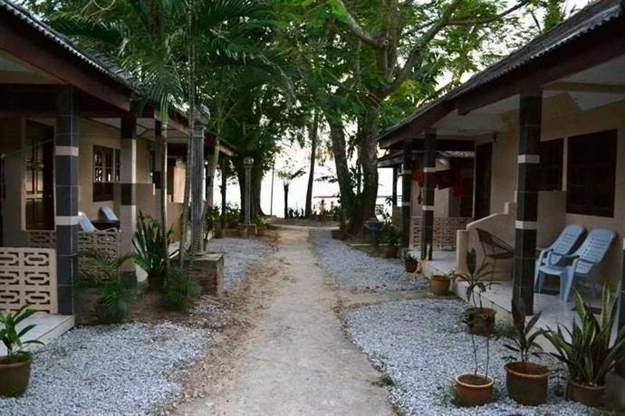 Langkapuri Beach Resort
