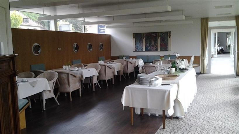 Hof hoyerswege ganderkesee compare deals for Airfield hotel ganderkesee