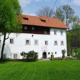 Bauernhof Landhaus Gschlosser