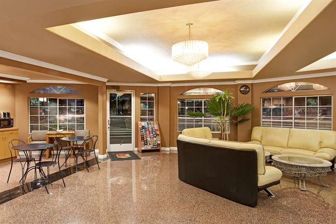 super 8 motel los angeles downtown compare deals. Black Bedroom Furniture Sets. Home Design Ideas