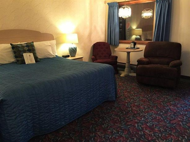 Cedar motor inn marquette compare deals for Cedar motor lodge marquette mi