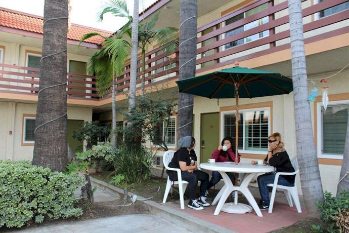 Garden inn motel san gabriel temple city compare deals for Garden inn motel