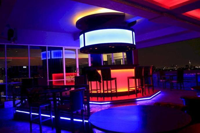 sky dome resotel bangkok compare deals. Black Bedroom Furniture Sets. Home Design Ideas