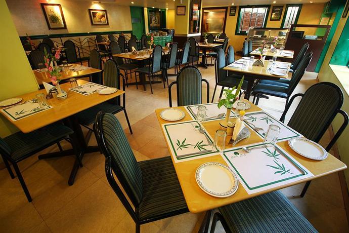 Cama Hotel Ahmedabad Restaurant