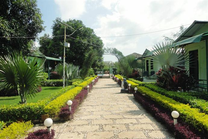 saavaj resort  sasan gir compare deals