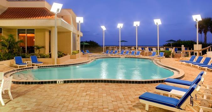 hilton melbourne beach oceanfront compare deals. Black Bedroom Furniture Sets. Home Design Ideas