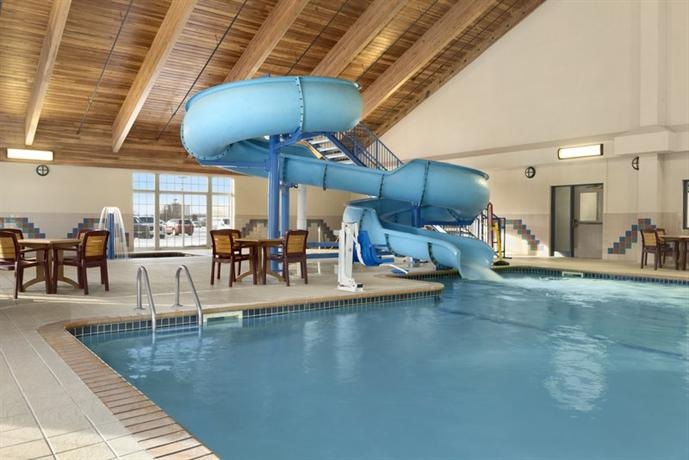 Country Inn & Suites by Radisson Duluth North MN