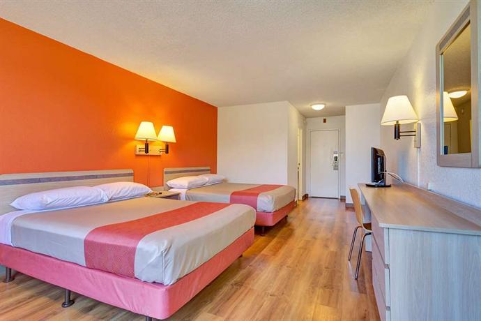 motel 6 san francisco redwood city belmont encuentra el. Black Bedroom Furniture Sets. Home Design Ideas