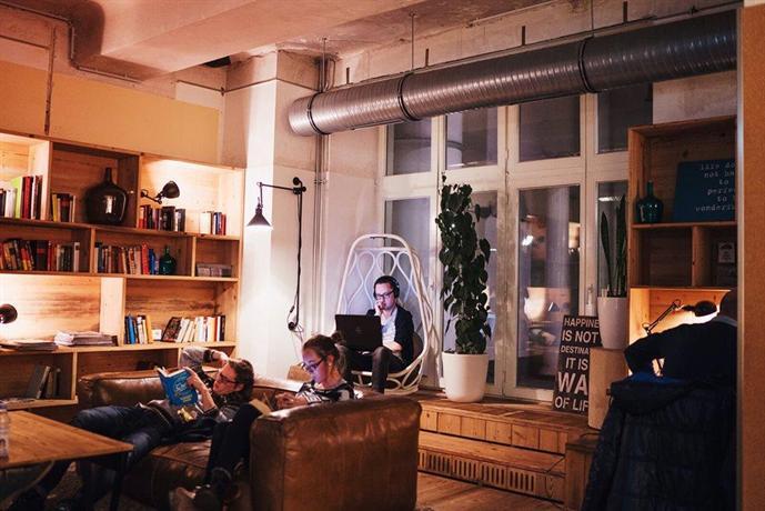generator hostel berlin mitte die g nstigsten angebote. Black Bedroom Furniture Sets. Home Design Ideas