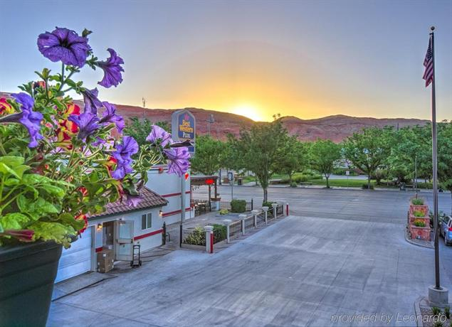 Best western plus canyonlands inn moab compare deals for Best western moab