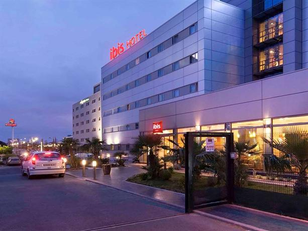 Ibis Valencia Bonaire Airport Hotel